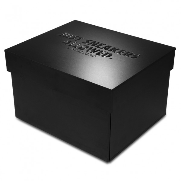 JUST SNEAKERS ALLOWED. Sneakerbox 'Black Edition'